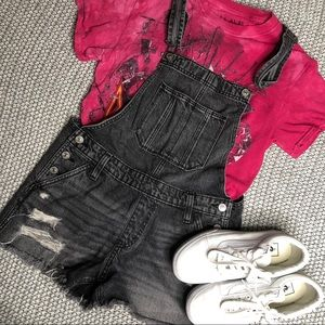 NWOT Abercrombie&Fitch black Denim overall shorts